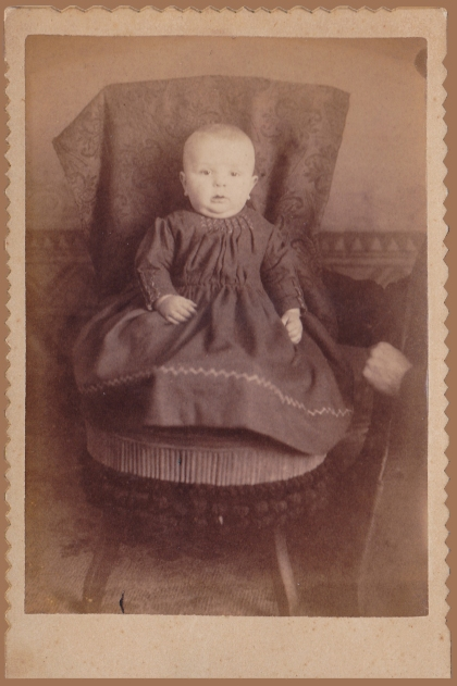 """Hidden mother"" photo found in Beaver Falls, PA."